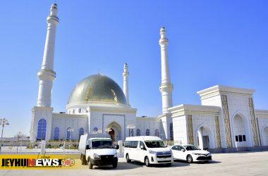 В дар мечети  передана машина